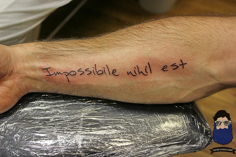 Фото татуировок на руке слова